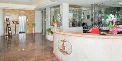 Hotel Caesar Cesenatico prima linea sul mare + Servizi Extra